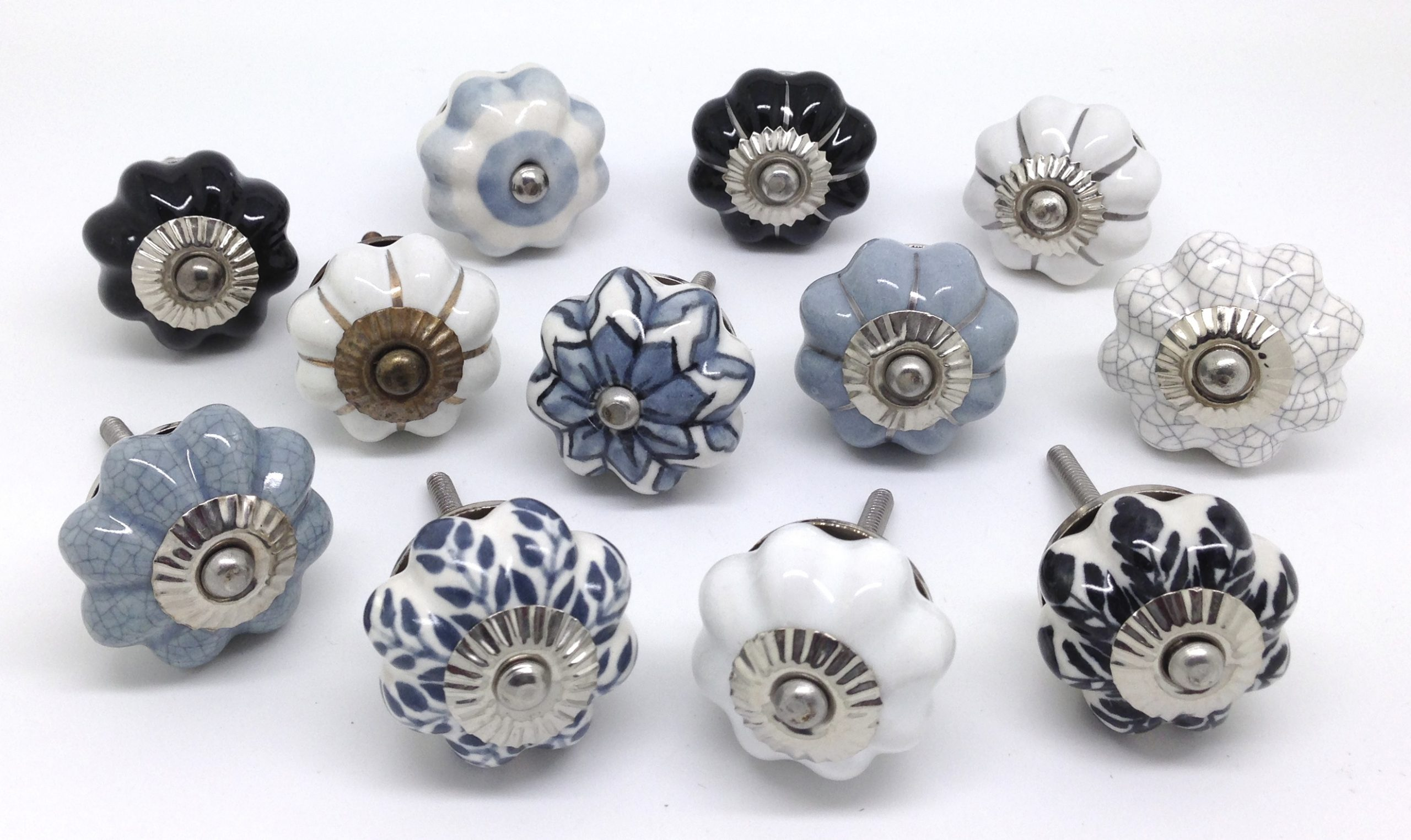 Flower Shaped Door Knobs - Perfectly Vintage!