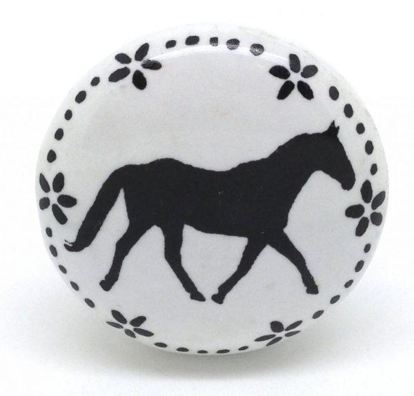 CK580 Daisy Garland Horse